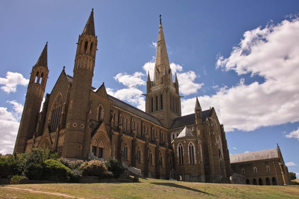 Sacred Heart Cathedral, © s13n, Flickr