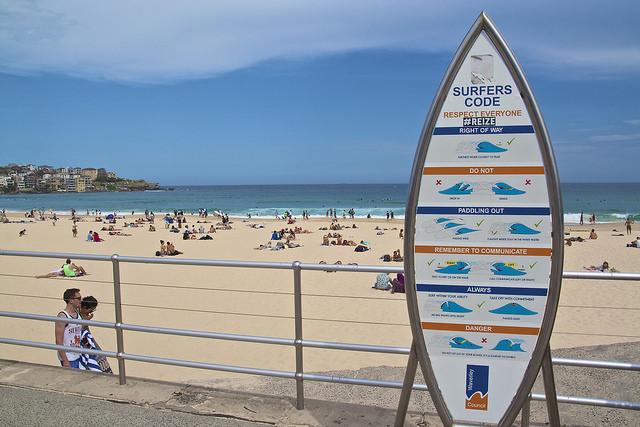 Bondi Beach: The Surfing Hub| © Bevis Chin/Flickr.com