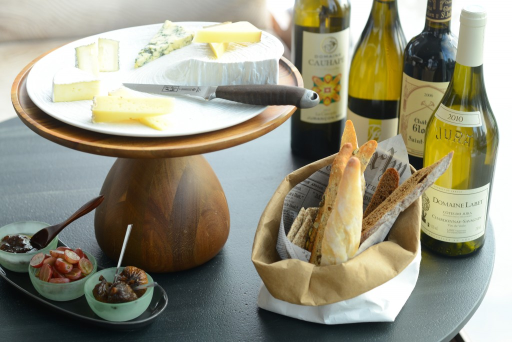 French Cheese With Wine - © InterContinental Hong Kong/Flickr