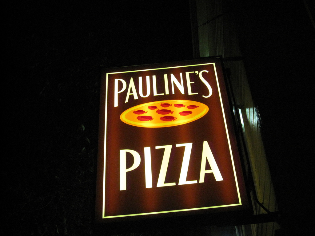 Pauline's Pizza © Andrew Mager/flickr