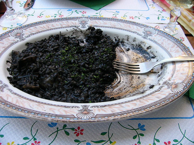 Black risotto | © Zheng/Flickr