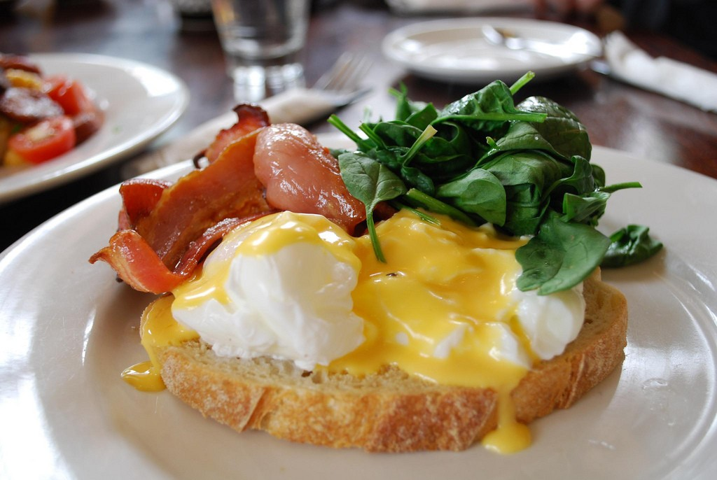 Eggs Benedict with Bacon - The Maling Room AUD13   © Alpha/Flickr