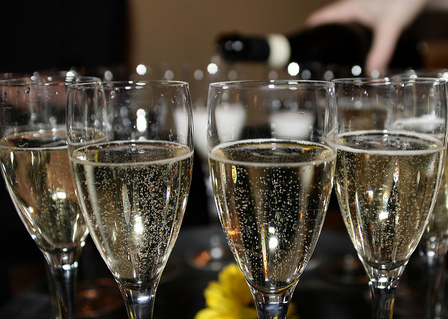 A glass of Cava | © Tristan Ferne / Flickr