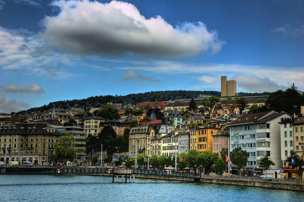 Zurich Waterfront | ©Ed Coyle/Flickr