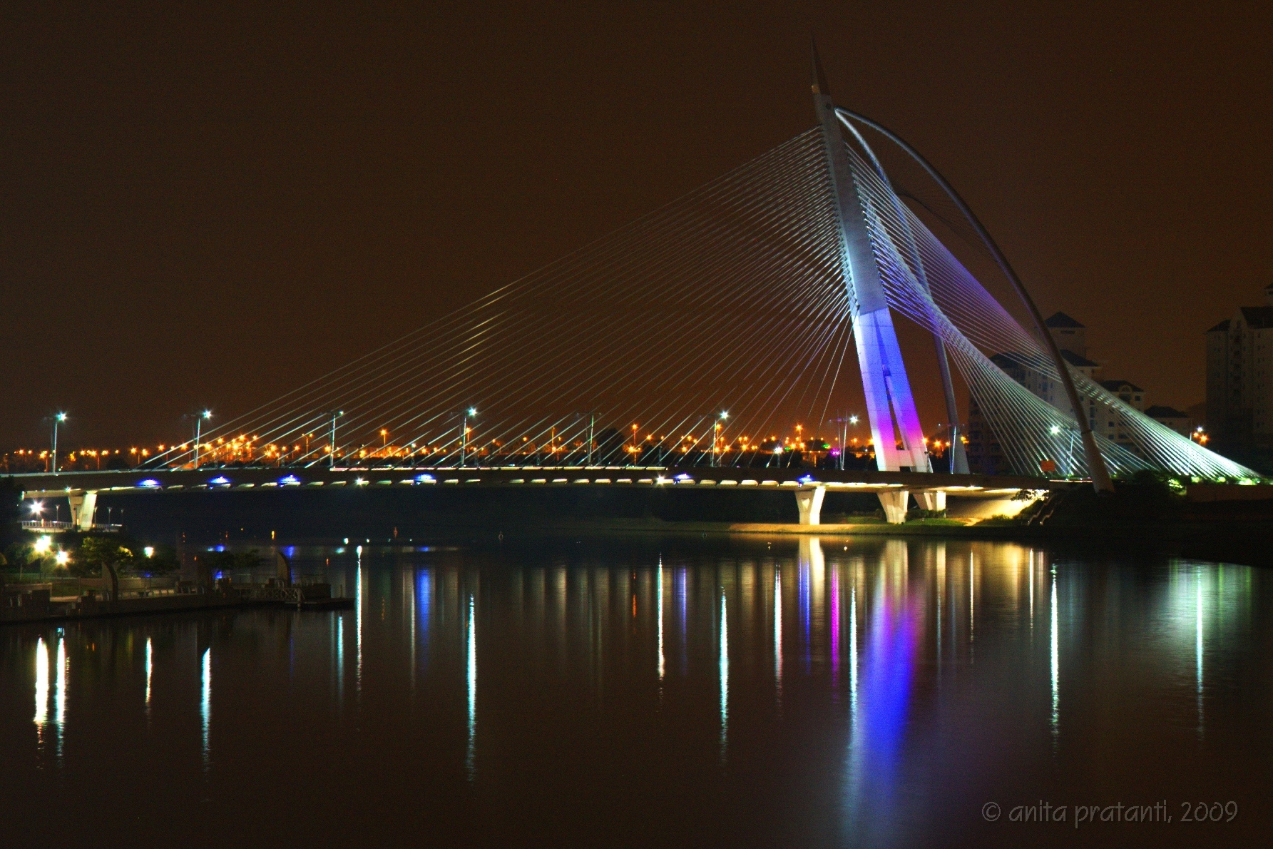 Seri Wawasan Bridge | ©pratanti/Flickr