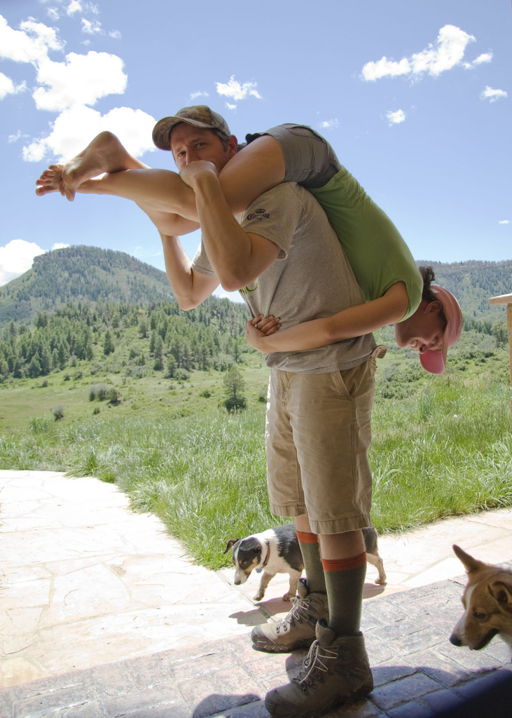 Wife Carrying Practice | © Peter Oelschlaeger/Flickr