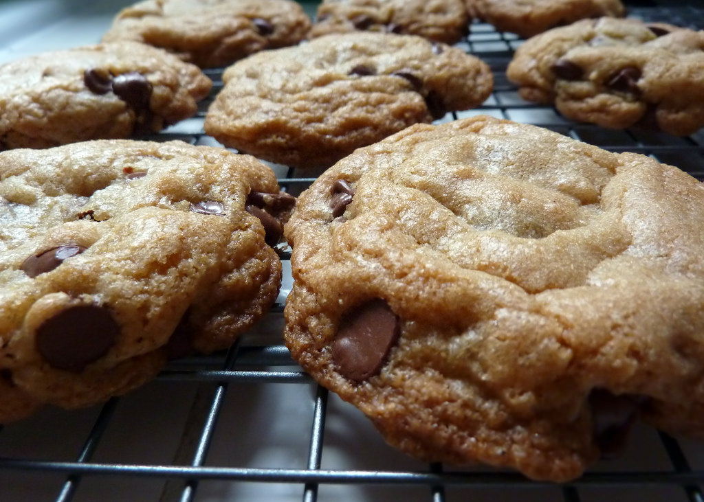 chewy chocolate chip cookie | © Lara604/Flickr