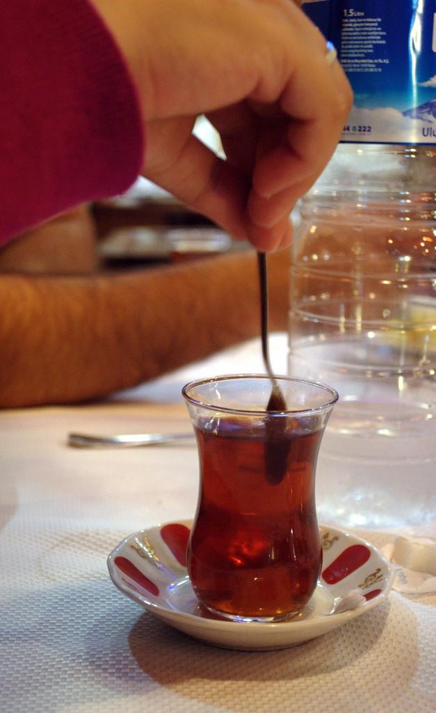 An elegant Turkish tea | Nikos Roussos/Flickr