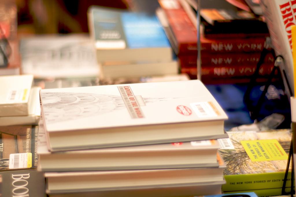 nyc books at the strand | © Katina Rogers/Flickr