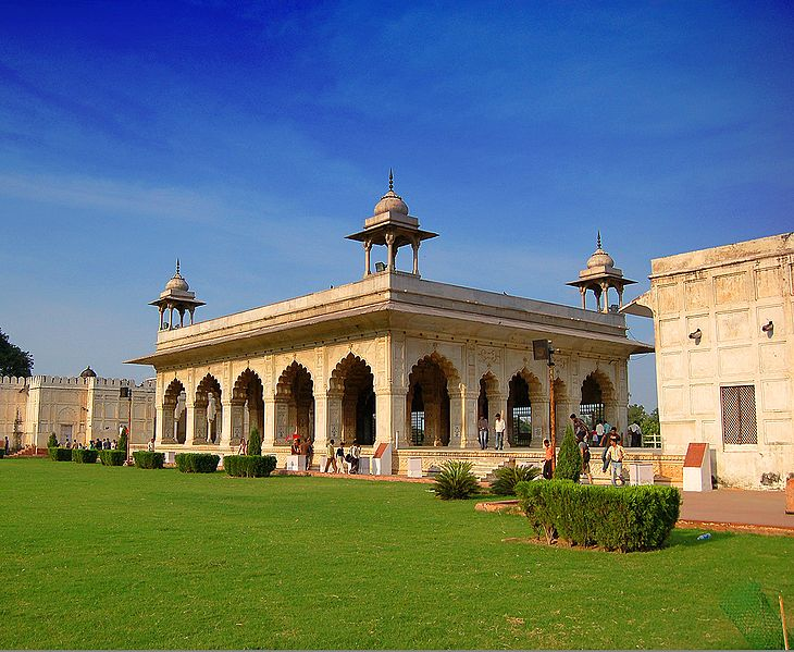 Red Fort buildings/©mike matthews/WikiCommons