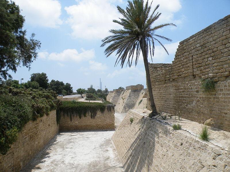 Crusader Walls and Moat   © Mrbrefast/WikiCommons