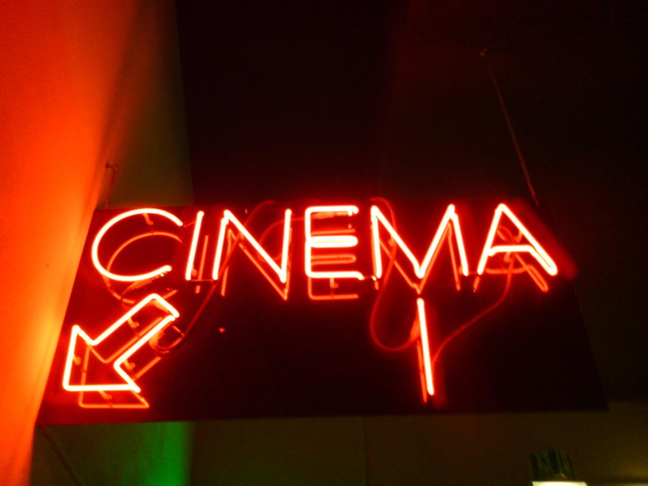 the best cinemas in valencia for v o screenings