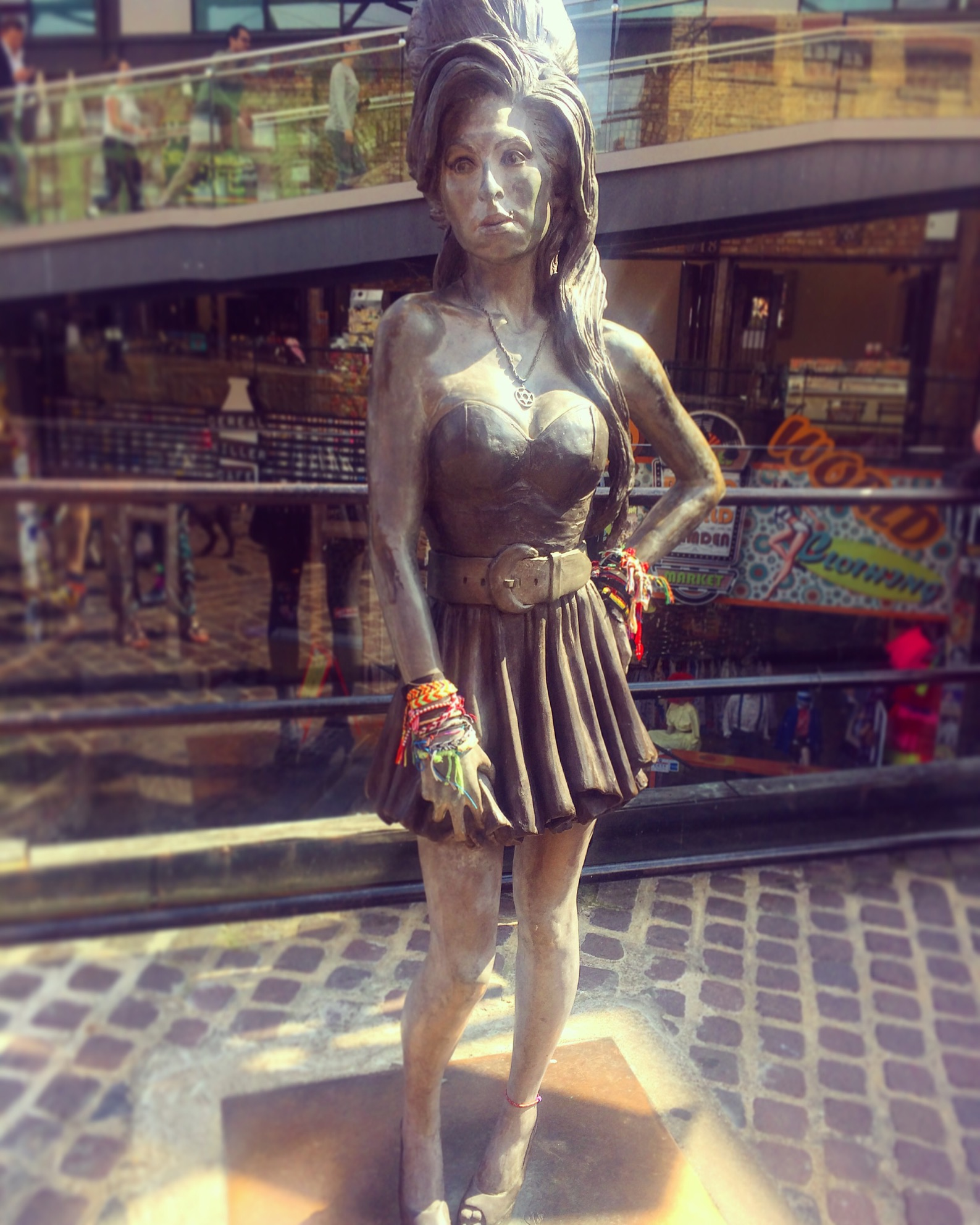 Amy Winehouse Statue / Courtesy of Angie Quinn