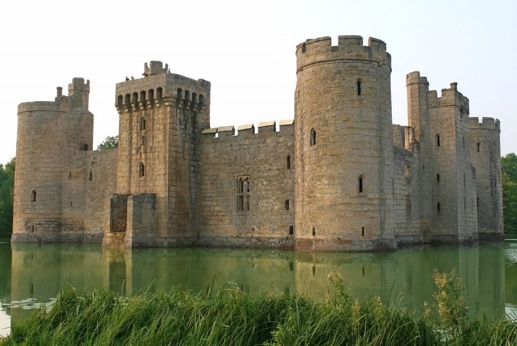 castles and cathedrals in the middle ages