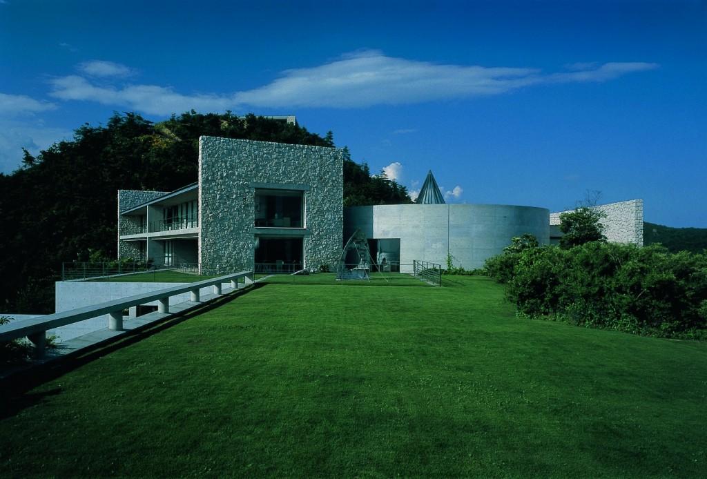 Benesse House | Courtesy Benesse Art Site Naoshima/Photo: Tadasu Yamamoto