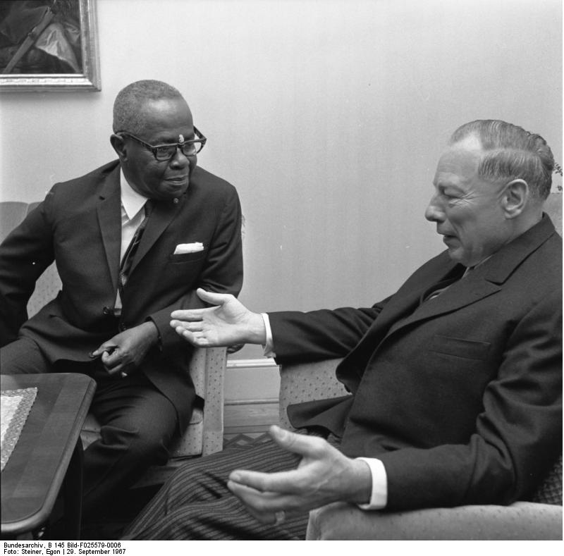 Clifford Clarence Campbell (left) visited Caribana in its final day | © Bundesarchiv, B 145 Bild-F025579-0006 / Steiner, Egon / CC-BY-SA 3.0/WikiCommons