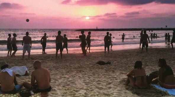 The beach in Tel Aviv | Cortesy of Dara Liberman