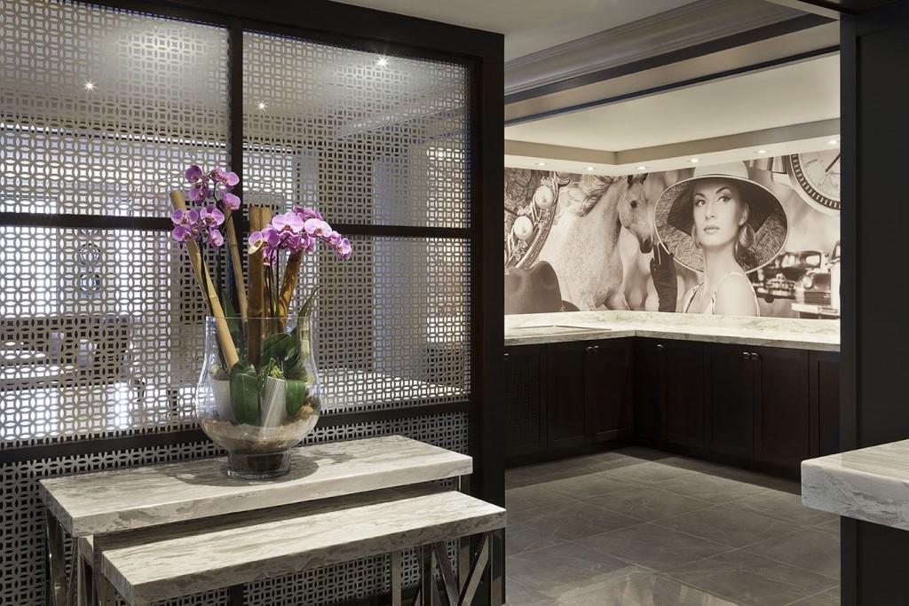 Concierge Entrance | Courtesy of Toronto Marriott Bloor Yorkville Hotel