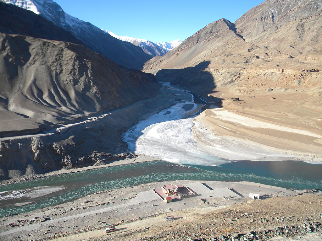 The confluence of the Indus and Zanskar © Wikicommons
