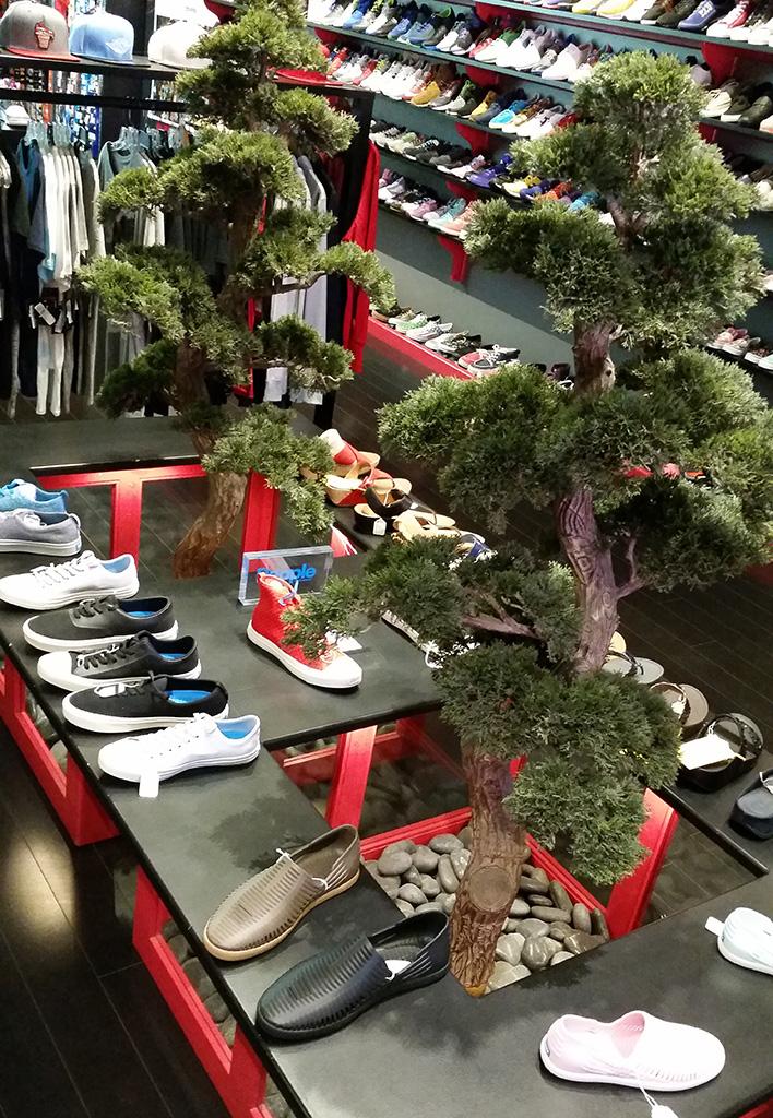 The 10 Best Sneaker Shops In L A