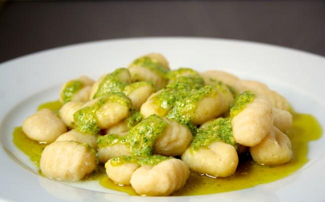 gnocchi with sage pesto| © Cooking etc./flickr