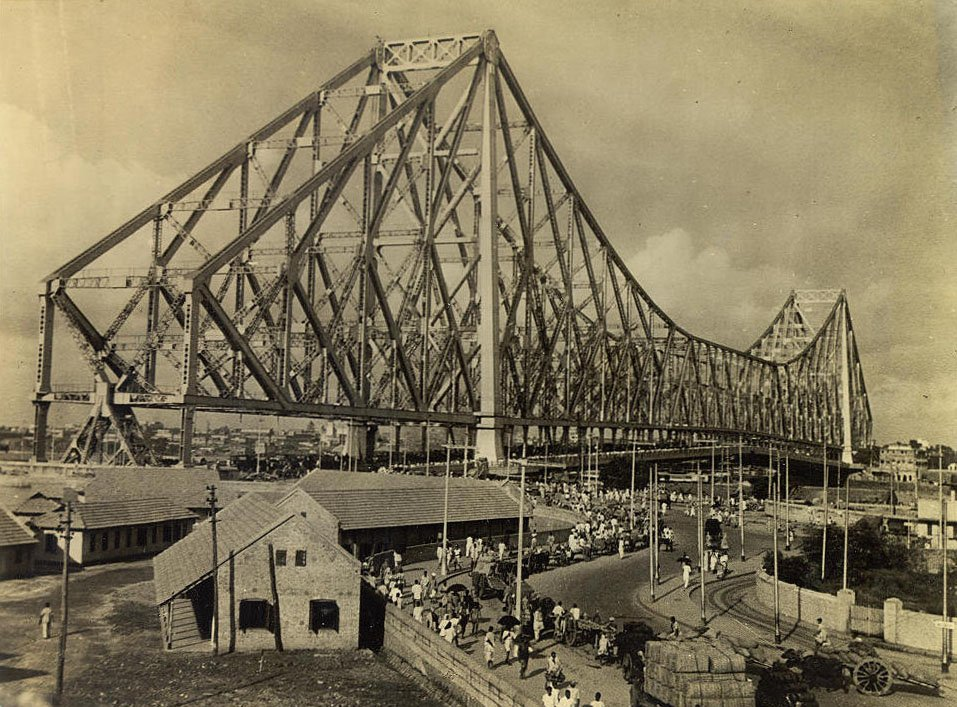 A picture of the Howrah Bridge at Kolkata 1945/©Unknown/WikiCommons