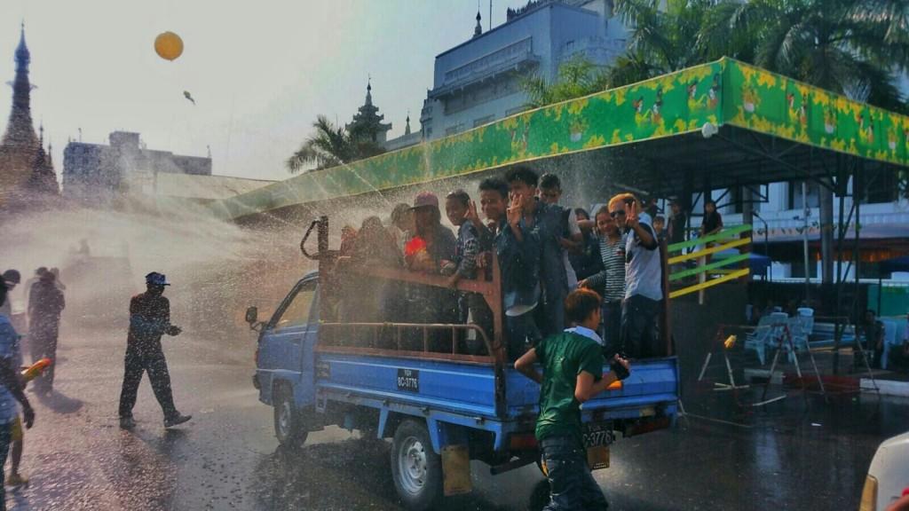 Thingyan revellers, Yangon © Kirsten Henton