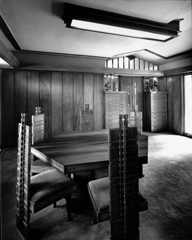 Interior view of the Hollyhock House, Los Angeles, 1921. The structure, interior, and furnishings were designed by architect Frank Lloyd Wright |WikiCommons