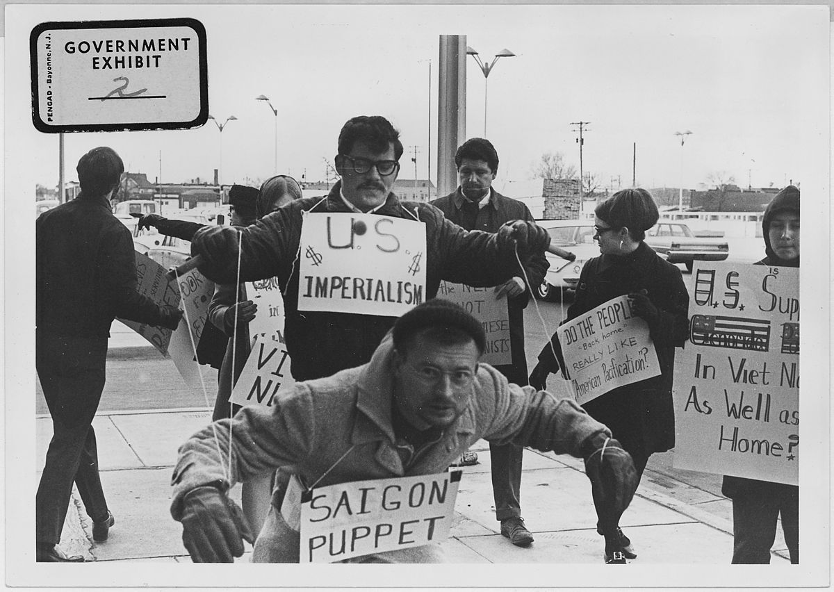 Vietnam War Protestors in Wichita, Kansas circa 1967 @ U.S. National Archives and Records Administration/Wikipedia