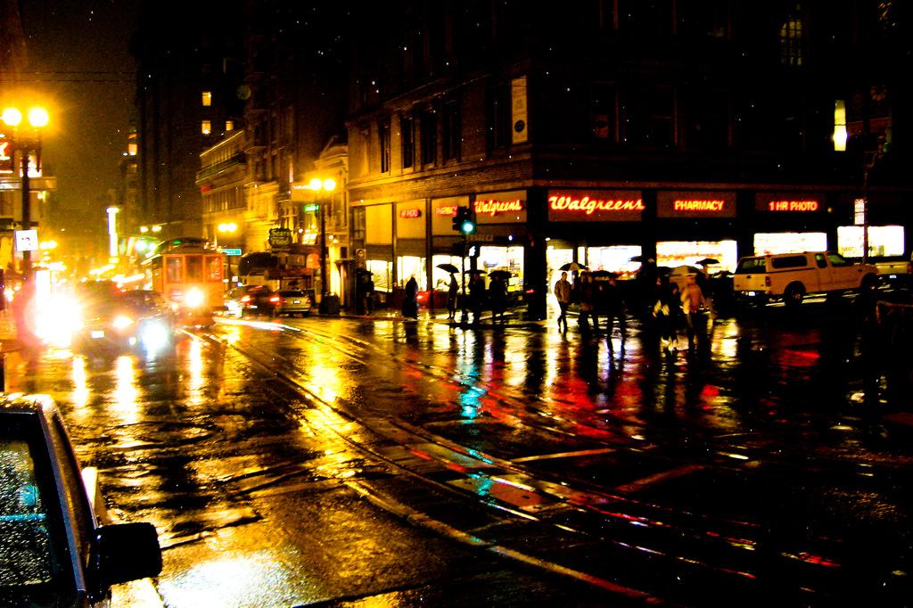 Rainy Powell Street © Sharon Mollerus/Flickr