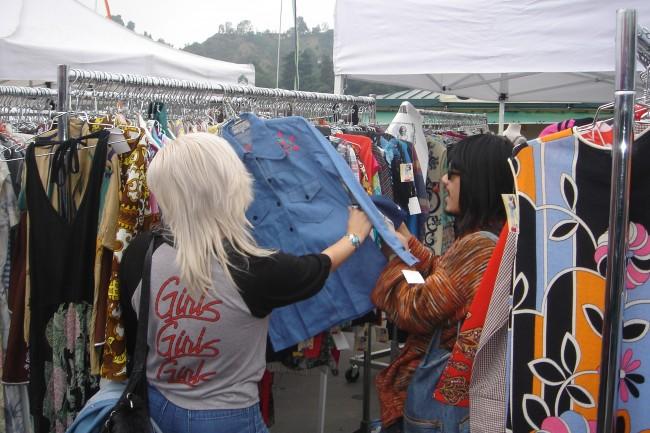 Rose Bowl Flea Market Courtesy of RBFM2