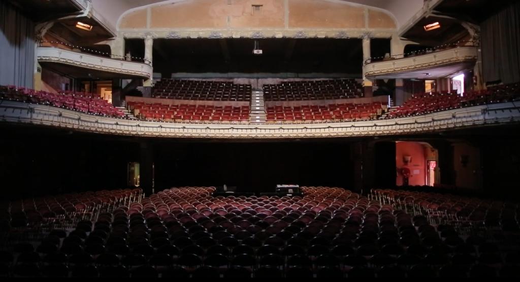The grand hall of the Roma, right before a 2015 renovation   © KOLMANSKOP Films/Vimeo