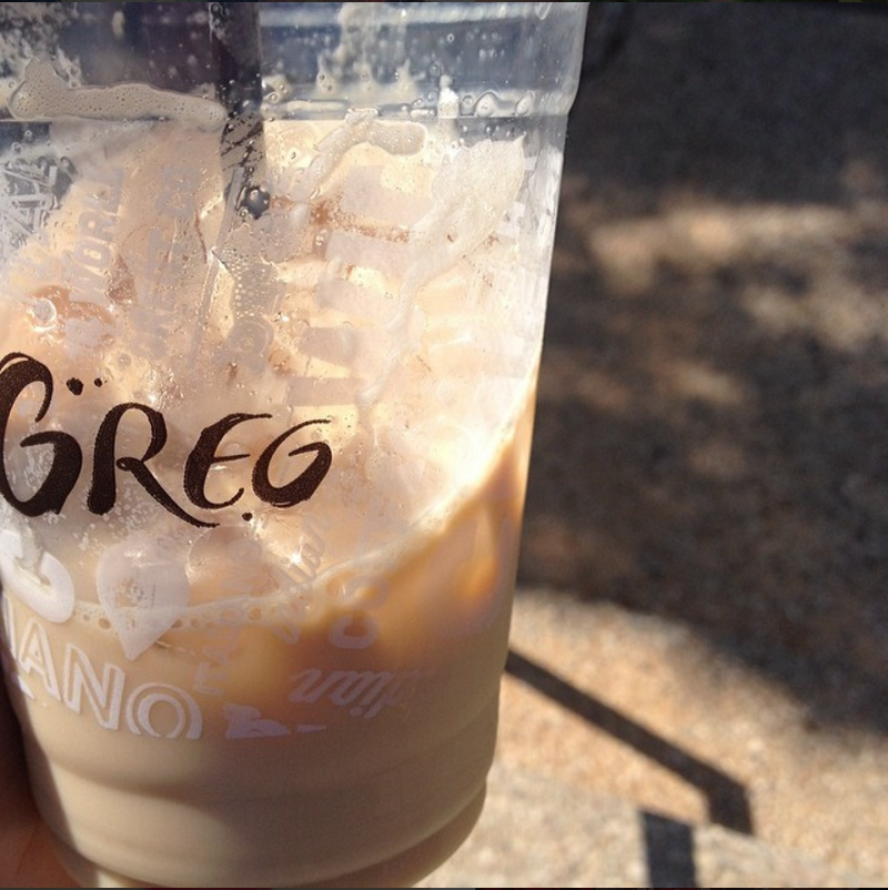 © Channa Rifkin|Greg's Café Ice Coffee/גרג קפה קר ביום שישי צהריים