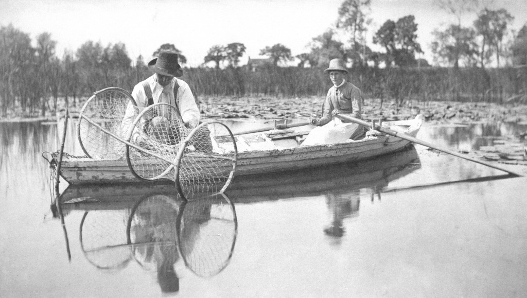 Setting the Bow-Net, 1886 | © Peter Henry Emerson and Thomas Goodall