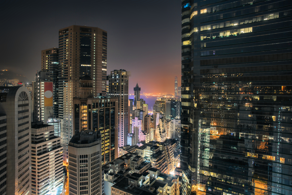 HongKong skyscrapers night view from a rooftop in Causeway Bay │© Merla/Shutterstock