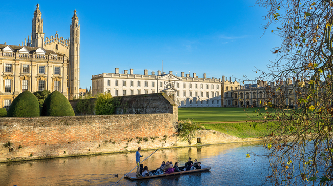 Cambridge University, King's College from across the river | © Offcaania/Shutterstock