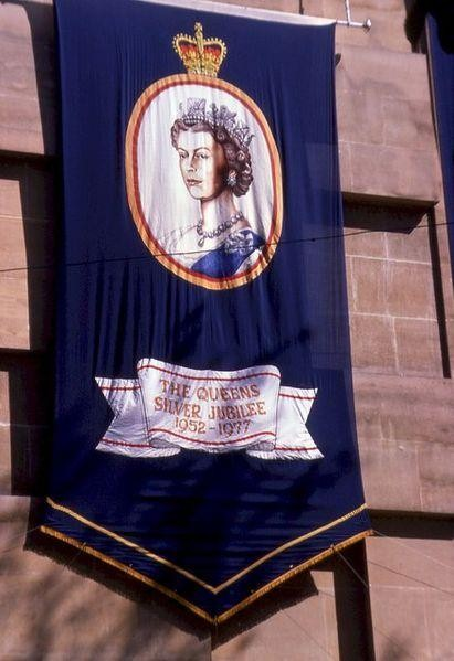 The Queen's Silver Jubilee I ©Phillip Halling / WikiCommons
