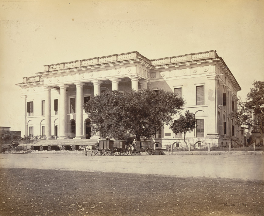 The Town Hall, Calcutta 1860s/©Samuel Bourne/WikiCommons