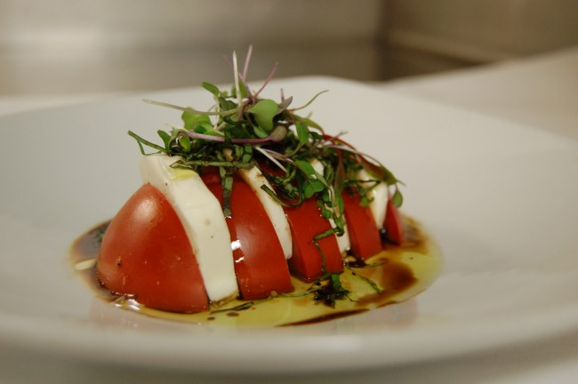 tomato-mozz salad| © stu_spivack/flickr