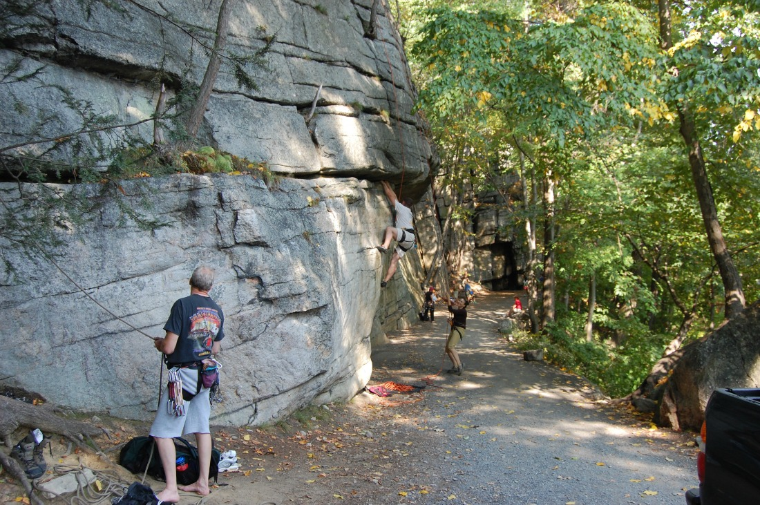 Undercliff Carriage Road | Courtesy of Frank Tkac and Mohonk Preserve