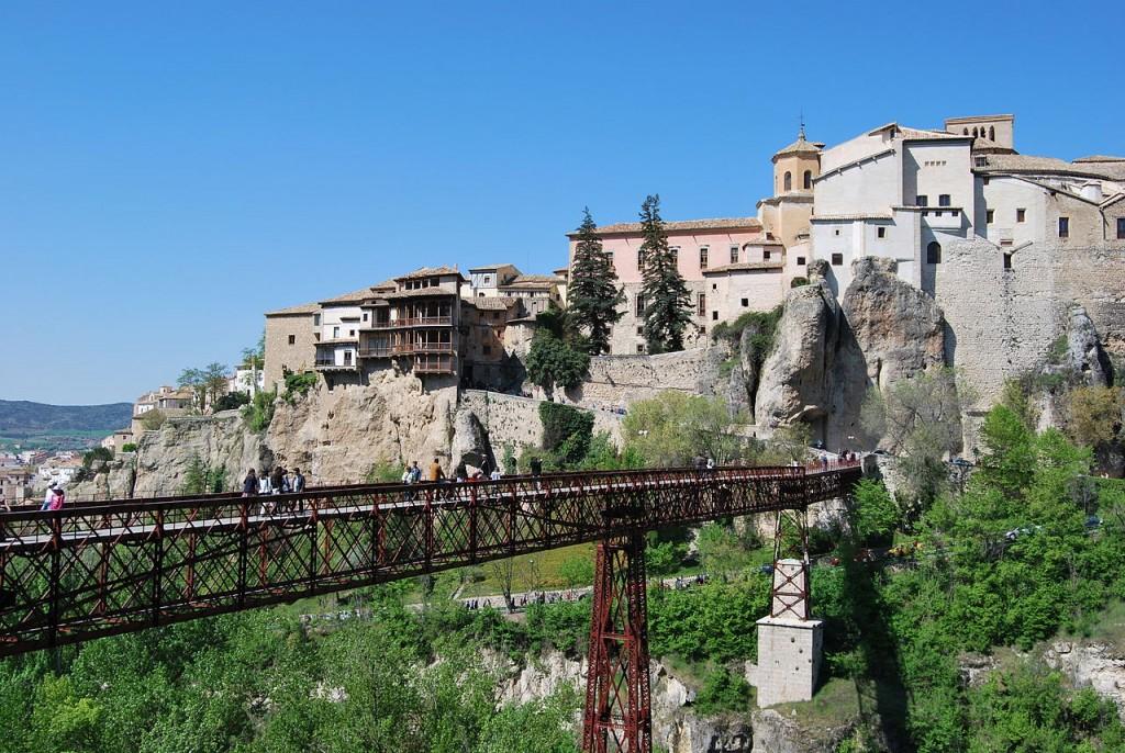 Casas Colgantes in Cuenca |© Albeins /Wikicommons