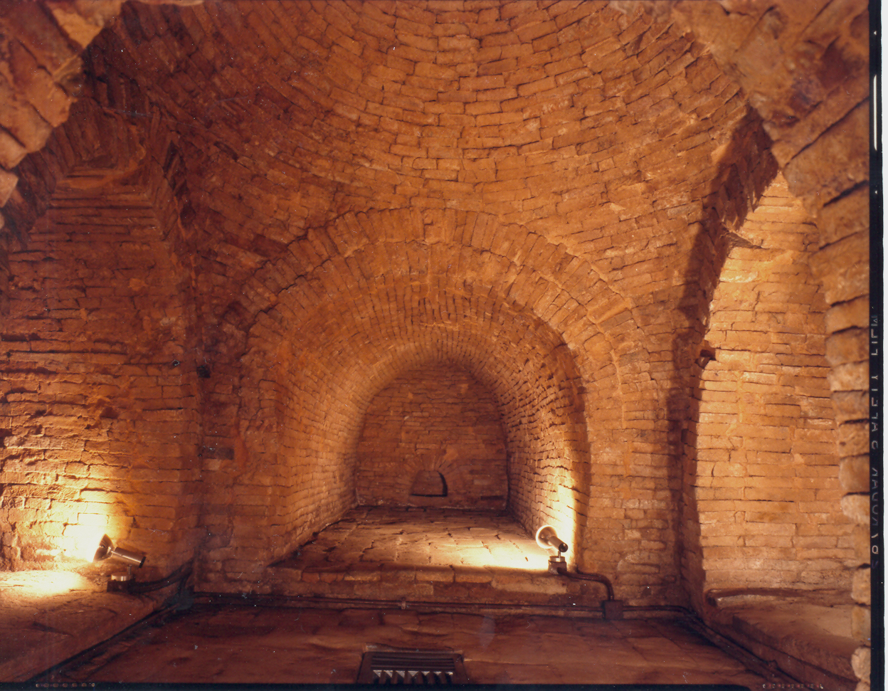 Lei Cheng Uk Han Tomb Museum ...