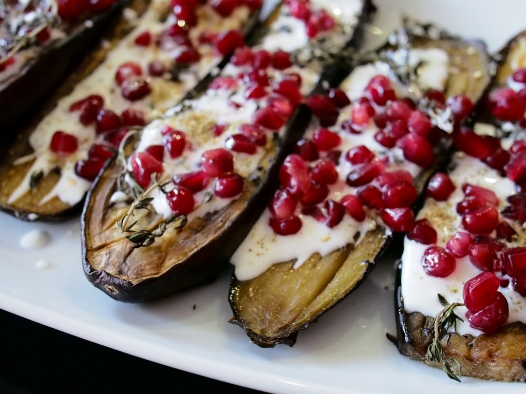 Aubergines with buttermilk sauce by Ottolenghi | © Franklin Heijnen / Flickr