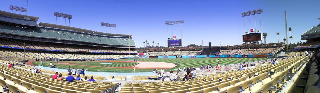 Dodgers Stadium © woolennium/Flickr.com