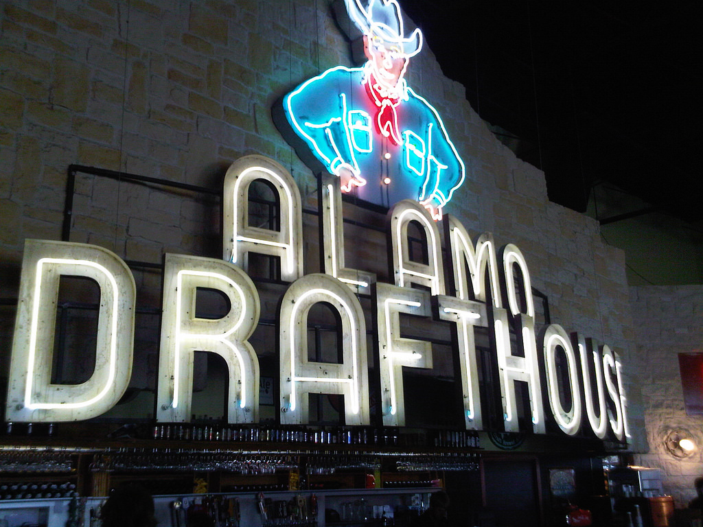 Alamo Drafthouse   © Phil Glockner/Flickr