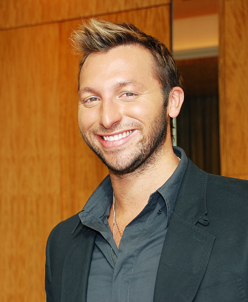 493px-Ian_Thorpe_with_a_smile