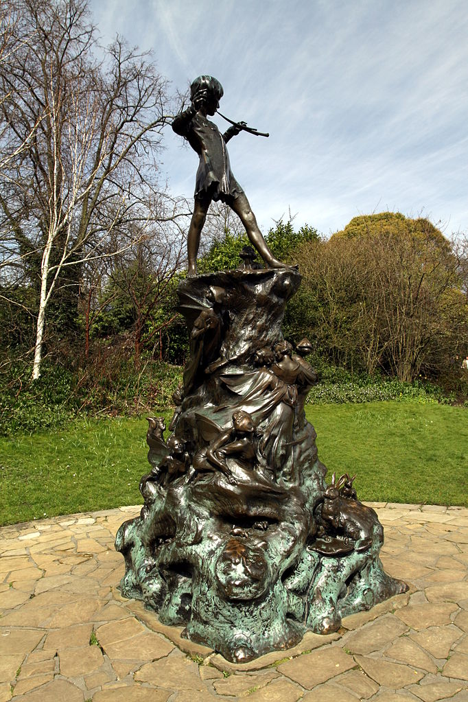 Peter Pan statue in Kensington Gardens in the City of Westminster in London | © Chmee2/Wikimedia Commons