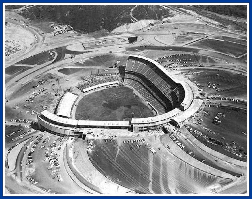 Building Dodger Stadium, 1962 © ozfan22/Flickr.com