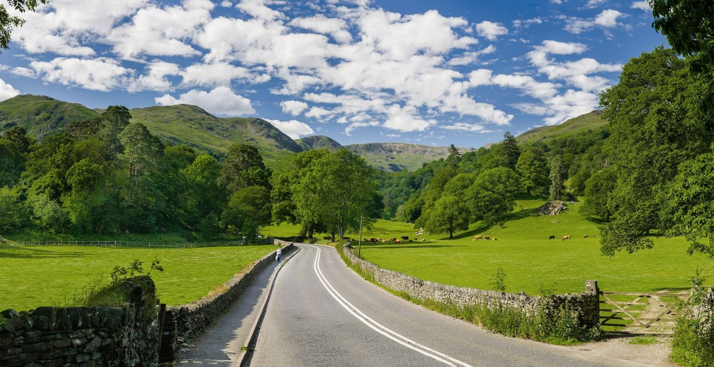 Road Passing Through The Lake District National Park Countryside | © Diliff/WikiCommons