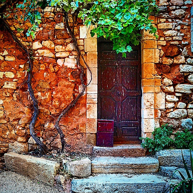 Another door in Roussillon | © HiP 1/Flickr
